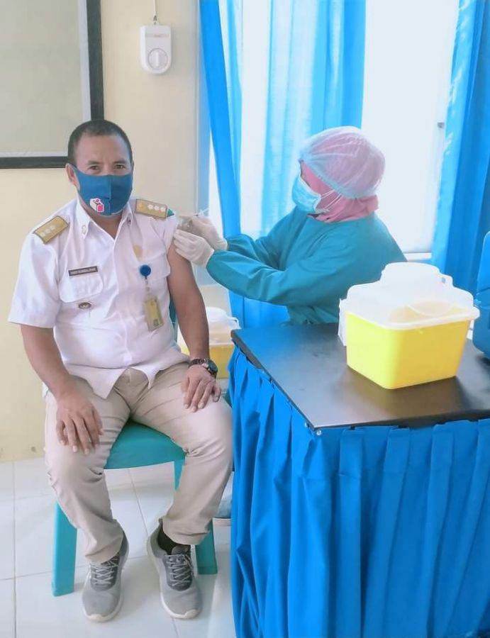 Camat Bula Hadi Rumbalifar,S.Pd Ajak Masyarakat Kecamatan Bula Ikuti  Vaksin Bersama