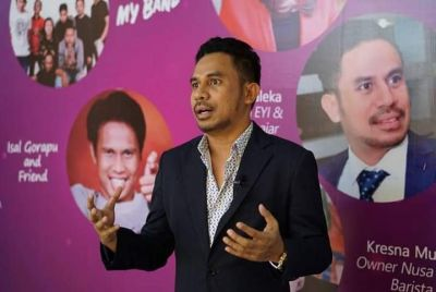 Diskusi Publik Dalam  Pendidikan, Politik Meningkatkan Kualitas SDM Maluku