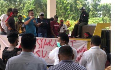 FMPPI Gelar Aksi Tuntut Pemda Segara Membangun Ibukota  Definitif SBT  di Hunimua