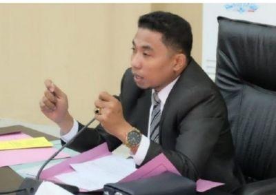 Umar Gazam Politisi Partai Gerindra Ajak Sejumlah  DPRD SBT Gunakan Hak Konstitusi